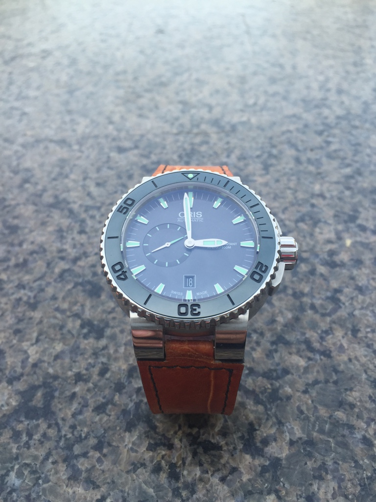 fsot oris aquis small second 46mm ss with bracelet
