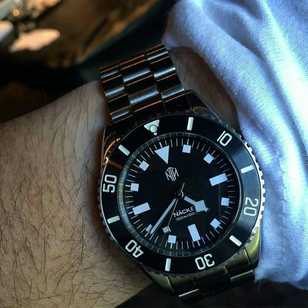 Looking - 40mm dive watch ...