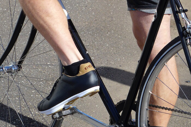 spd compatible shoe with recessed cleat location for walking