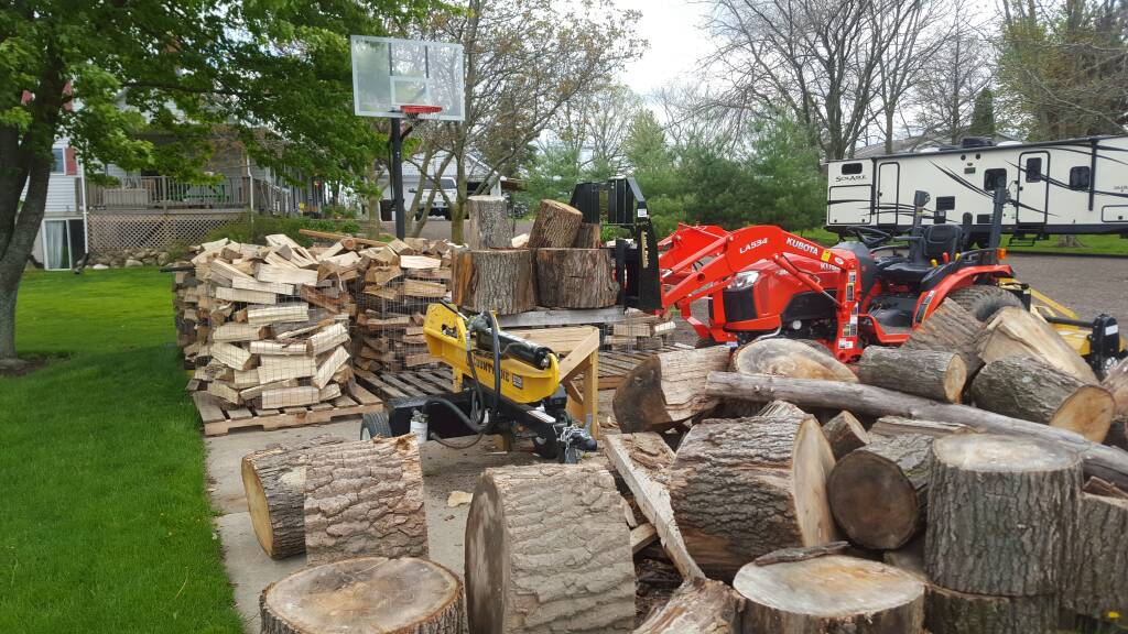 post pictures of your woodpile splitting area page 263