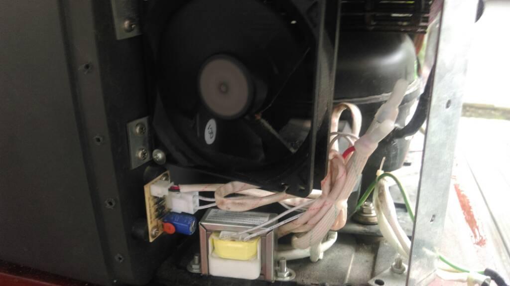 Bomann Kühlschrank Kühlt Nicht Mehr : Kühlbox kühlt nicht mehr richtig zubehör wohnwagen forum