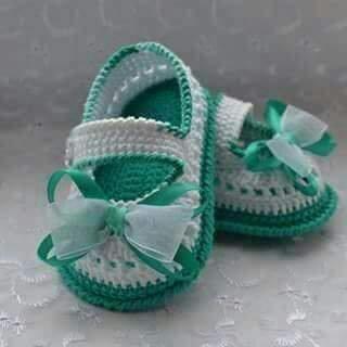 Связать детские туфельки