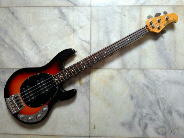 help i need help to identify this musicman bass. Black Bedroom Furniture Sets. Home Design Ideas