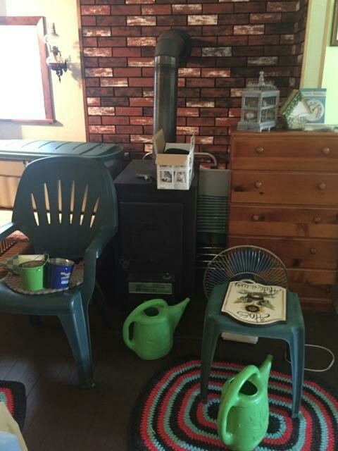 Hi can anyone help me with a model on this heater? I would like to know the  model and any info you could share. All I have to go by are these two  pictures. - Shenandoah Wood Burner Arboristsite.com