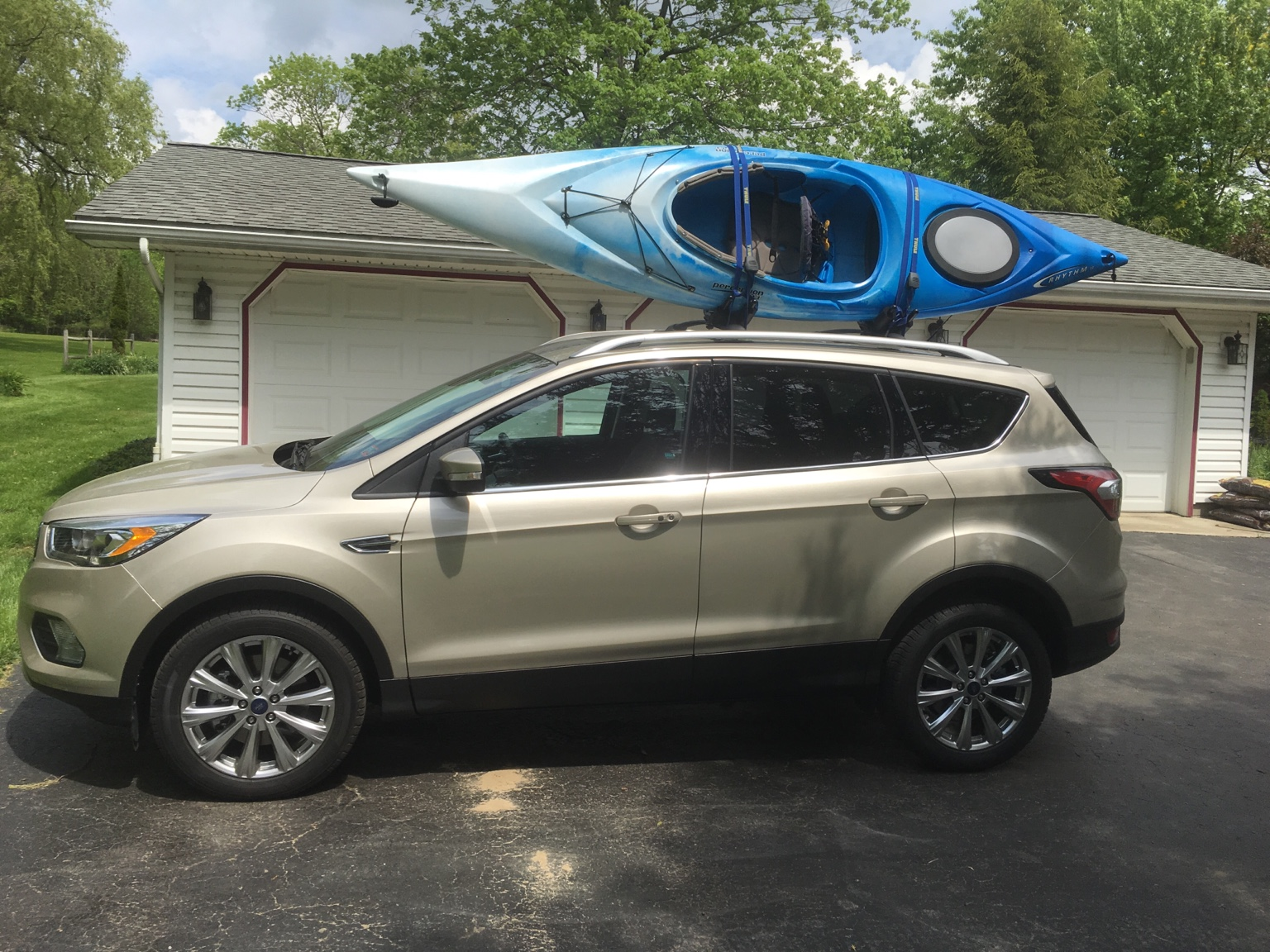 ... White Gold Escape - 2013 / 2014 / 2015 / 2020 / 2020 Ford Escape Forum