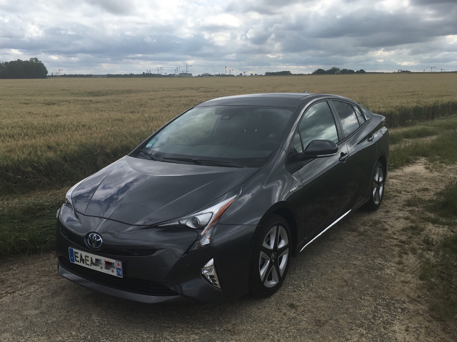 prius 4 style ext rieur page 12 forum prius touring club. Black Bedroom Furniture Sets. Home Design Ideas