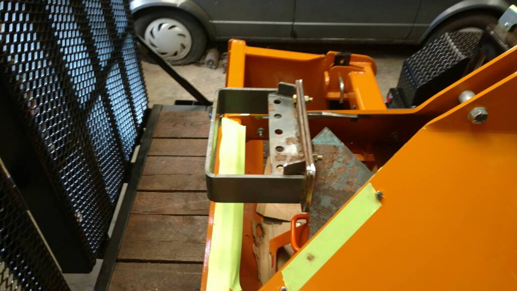 Kubota Front Weight Bracket : L improvements orangetractortalks everything kubota