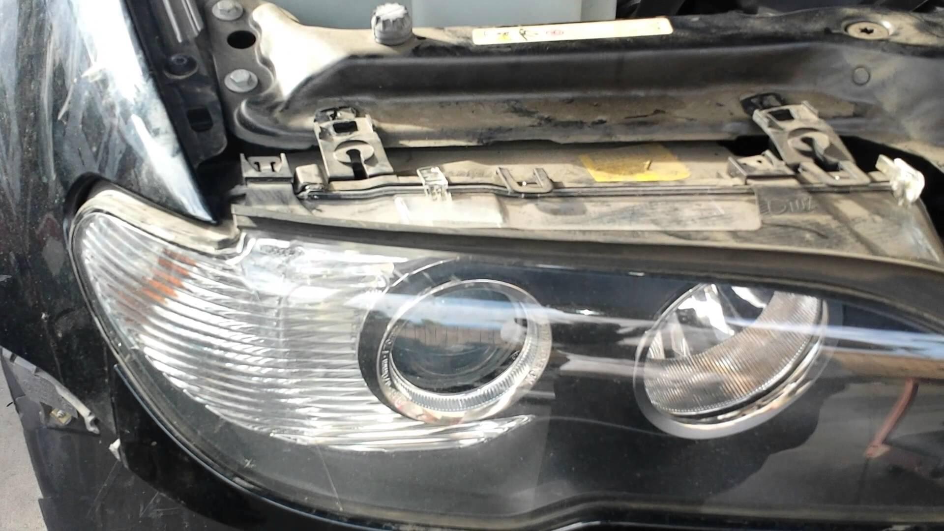 how to change 2006 bmw x5 headlight bulb