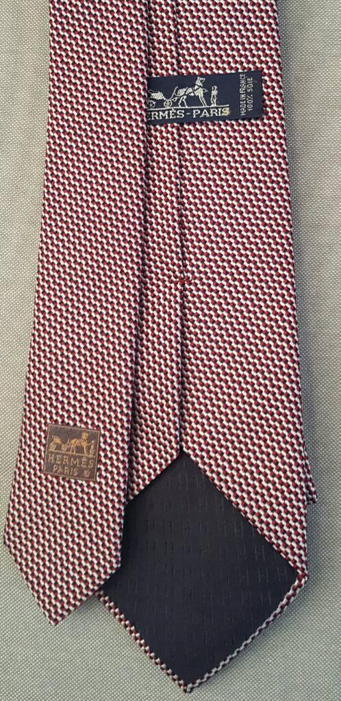 costruzione razionale stile moderno sconto fino al 60% Vendo cravatte Hermes, Ferragamo Burberry ...