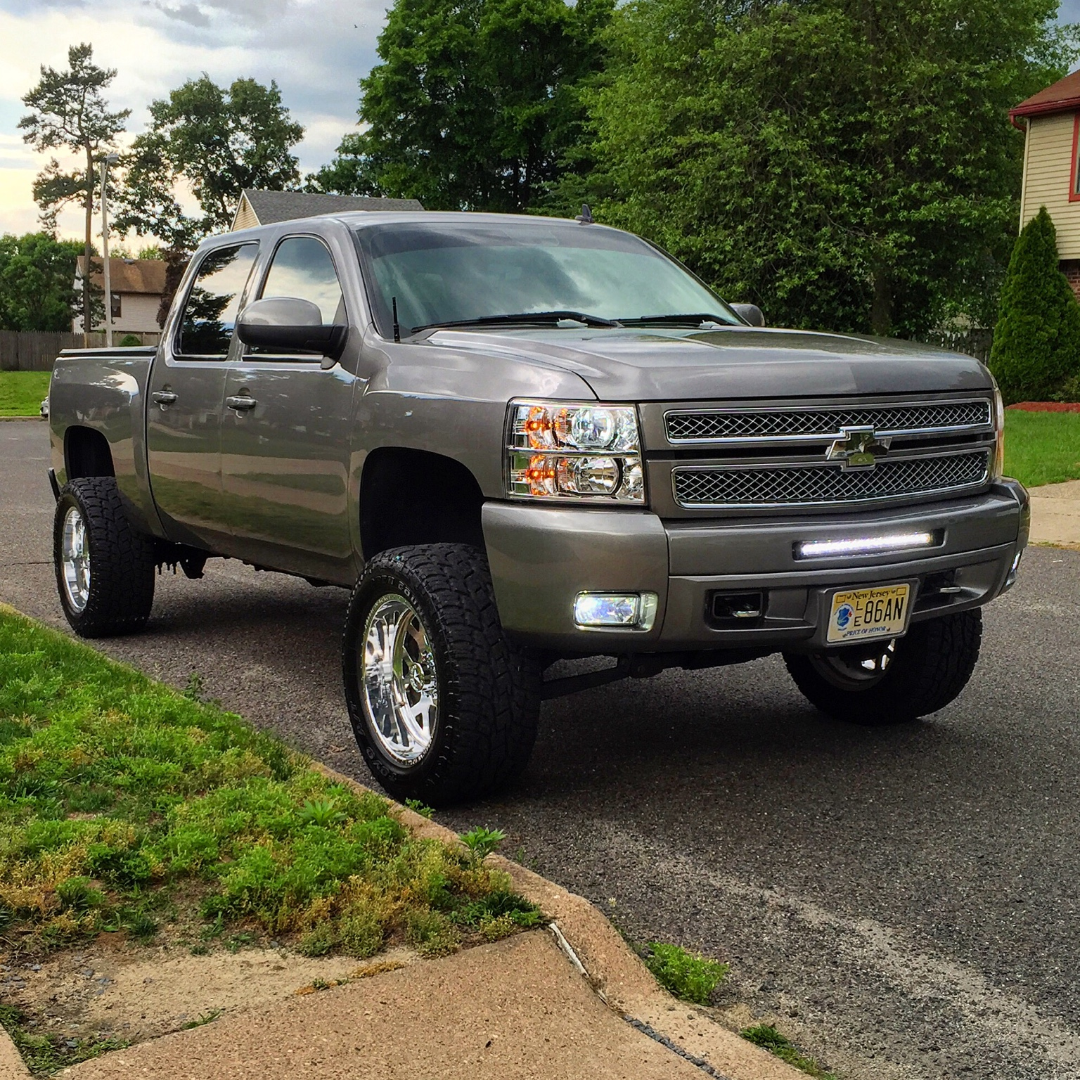 2013 chevy silverado lt z71 lifted chevy truck forum gmc truck forum. Black Bedroom Furniture Sets. Home Design Ideas