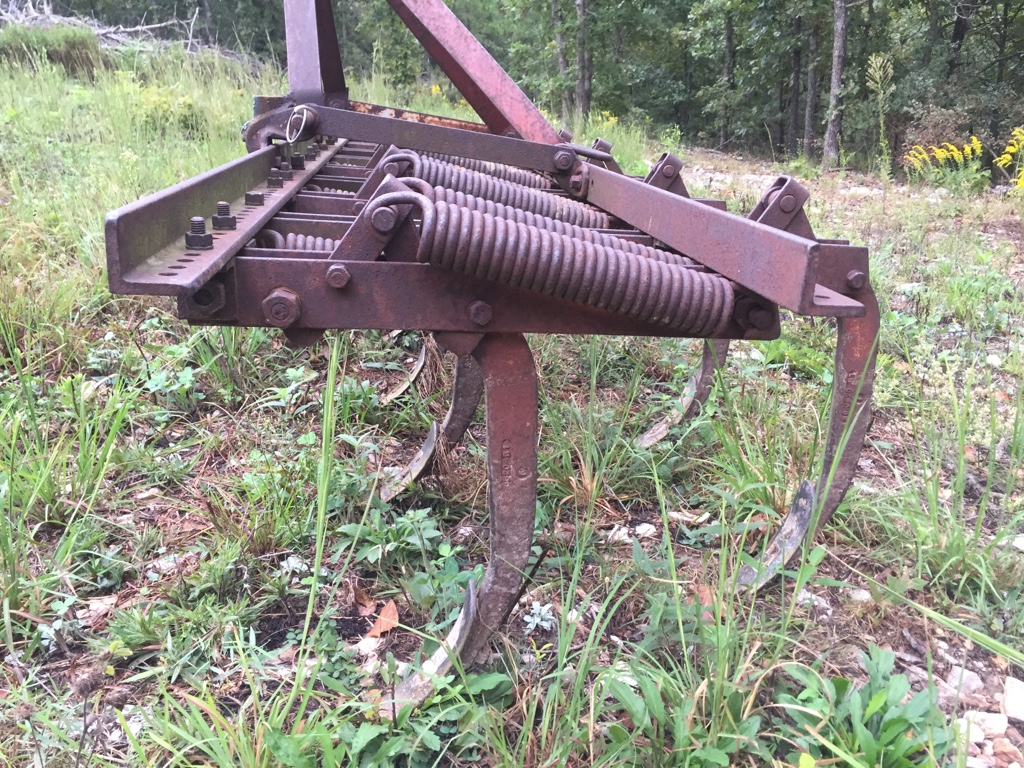 Spring tooth chisel plow (Cultivator) or Spring tooth harrow
