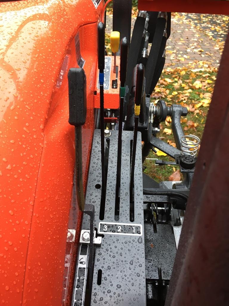 Factory rear remotes for L3301 - Page 2 - OrangeTractorTalks