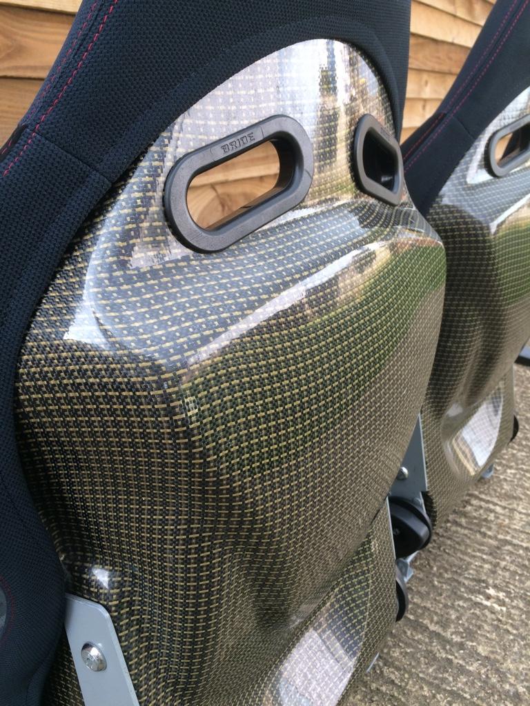Reclining Carbon Kevlar Bride Low Max Bucket Seats
