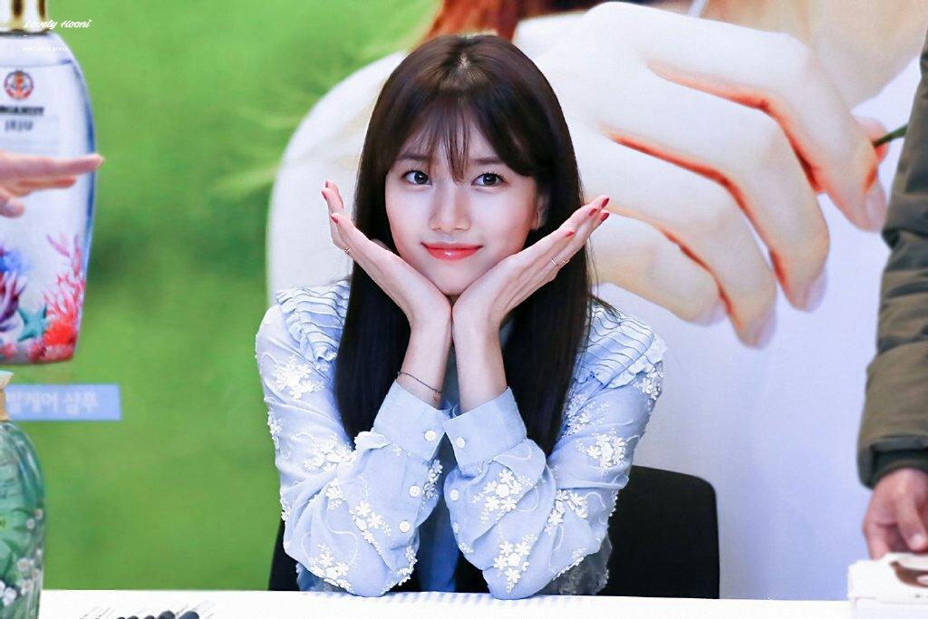 Đi fansign là cách tuyệt nhất để ngắm nhan sắc mỹ nhân Hàn