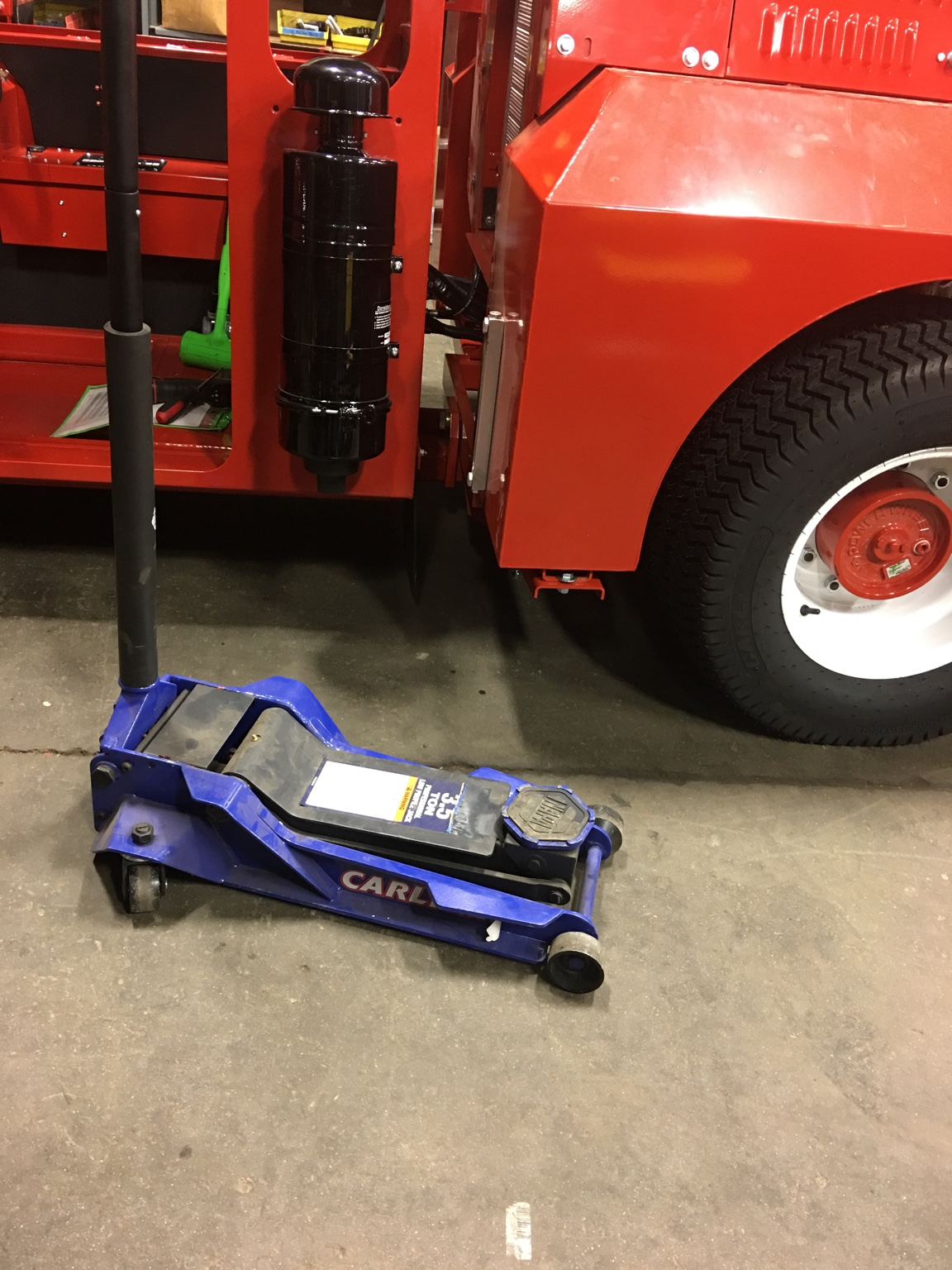 ... Anyways I Believe The Floor Jack We Use At My Work Looks Parable To  Daytona And ...