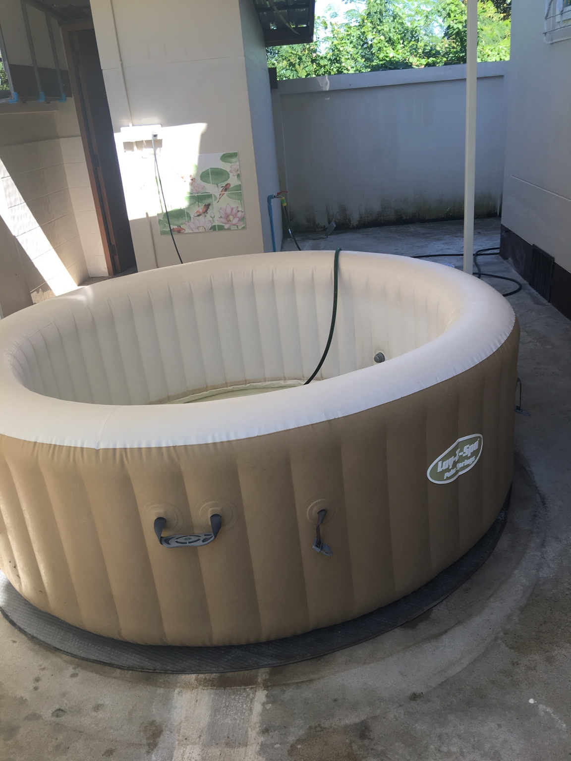 selling jacuzzi lazy z spa palm springs udon thani thailand forum udon thani thailand. Black Bedroom Furniture Sets. Home Design Ideas