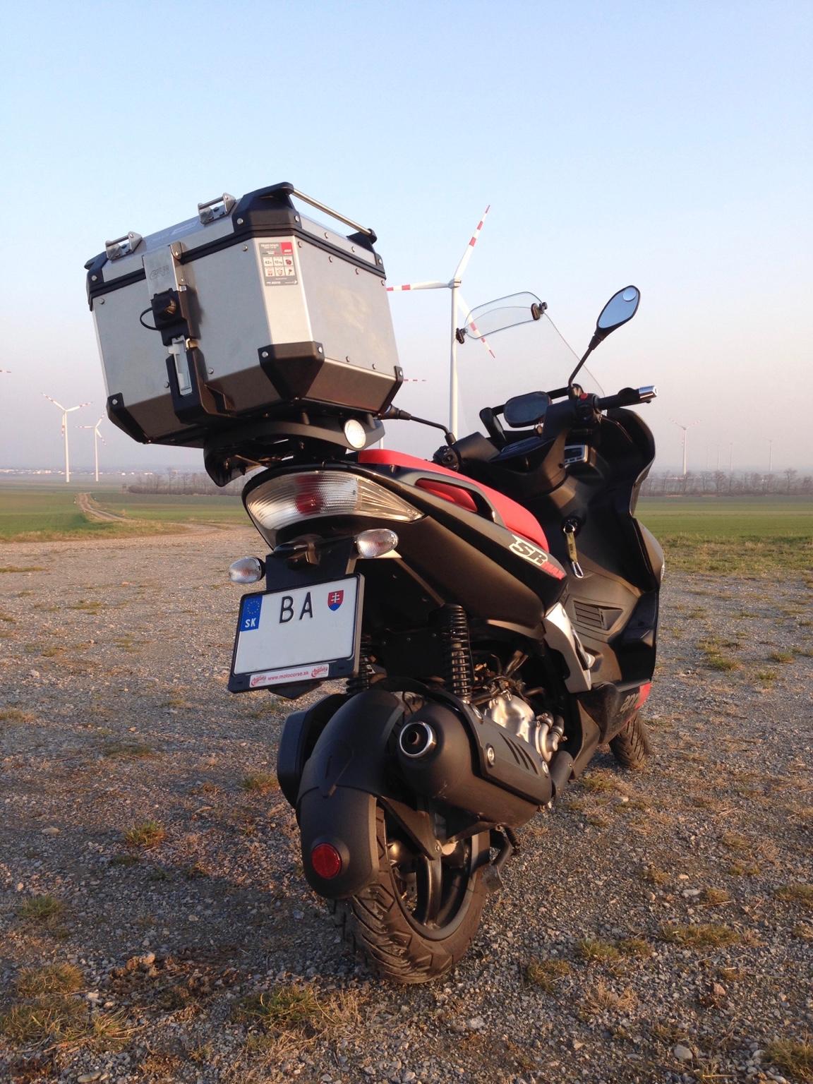 Dareky pre vodiov, dareky pre motorkrov