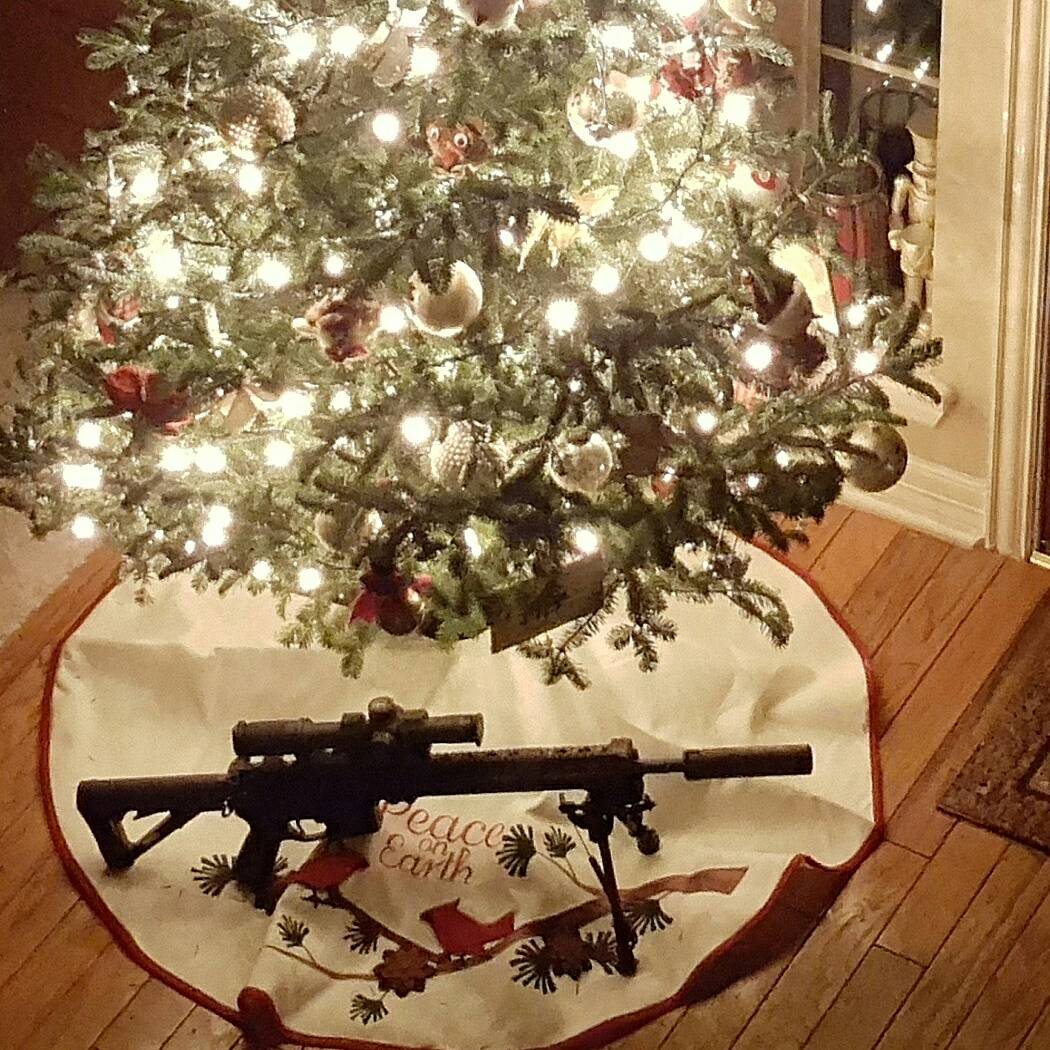 Thread Christmas Tree: The 10 Guns Of Christmas Tree Thread