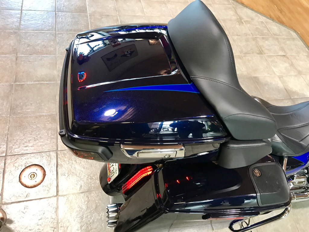 2017 Road Glide Ultra >> 2017 CVO with color match tourpak and 8 speakers pics...