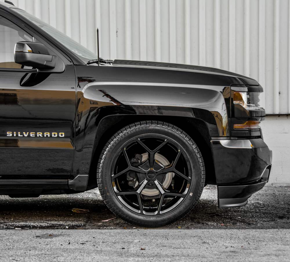 Chevy Avalanche 2016 >> Lowered guys what's your tire size!? - 2014 / 2015 / 2016 / 2017 / 2018 Silverado & Sierra ...