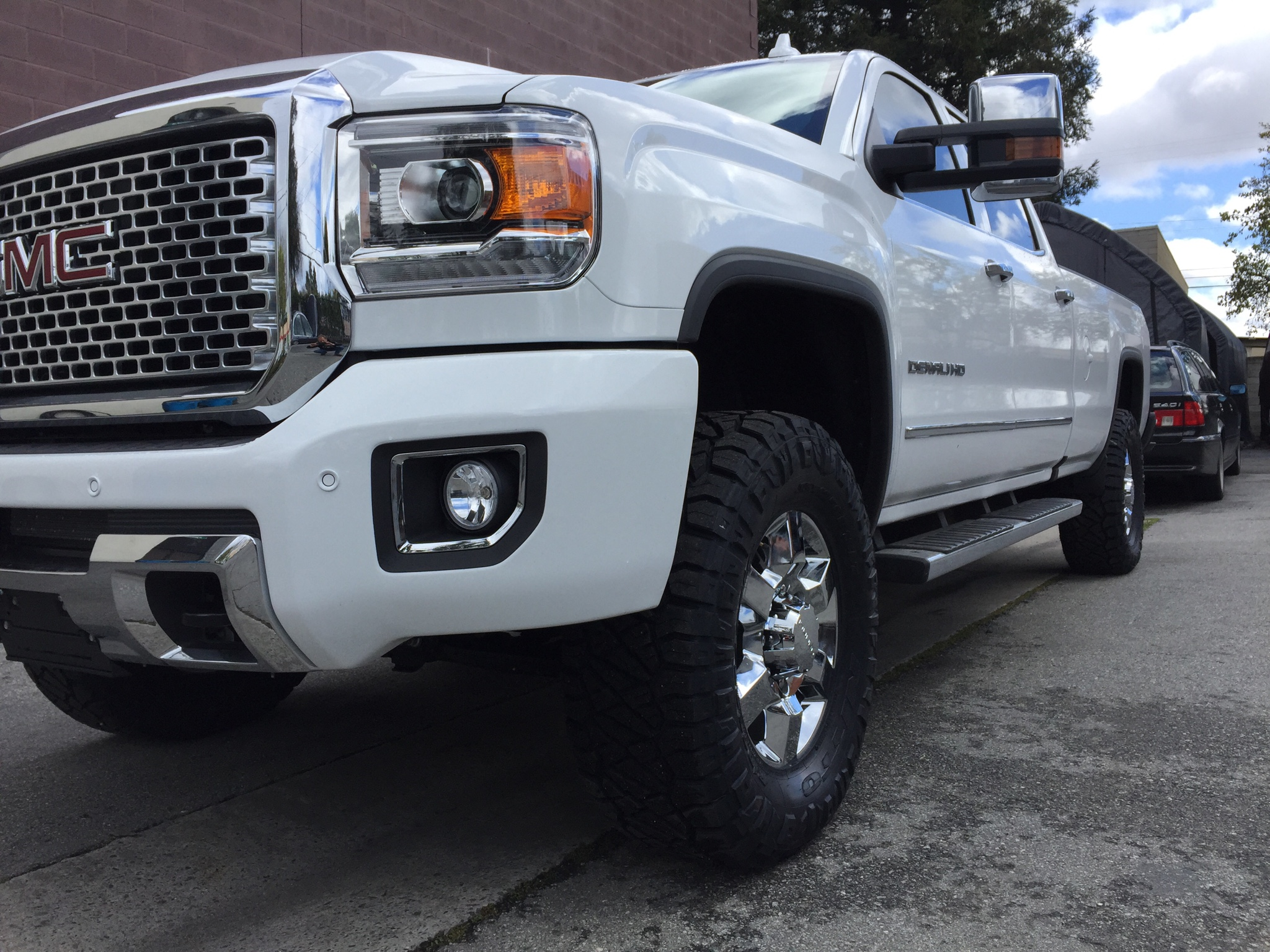 2016 17 35s with leveling kit only page 3 chevy and gmc duramax diesel forum