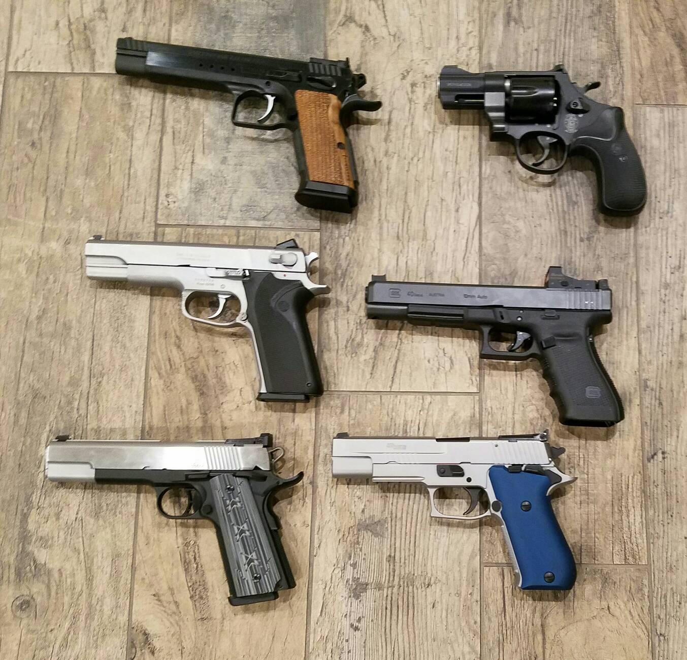 10mm pick: Colt Delta Elite, Tanfoglio, Glock 20, or Sig P220