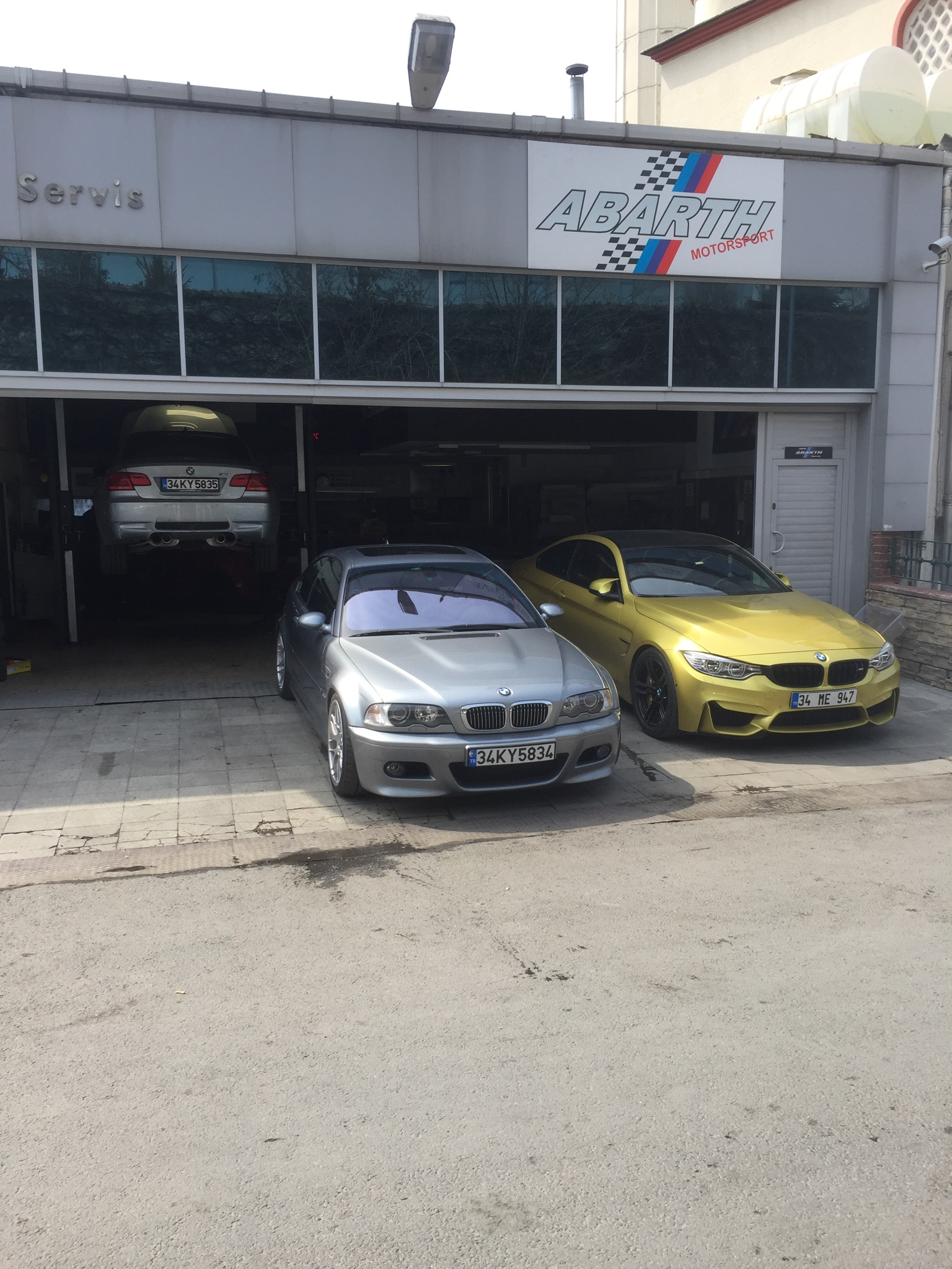 Bmw Abarth Servis De Bugün Basligi Bmw Car Club Turkey