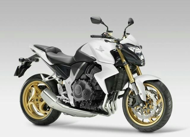 Anyone touring on a naked R12R? | BMW R1200R Forum