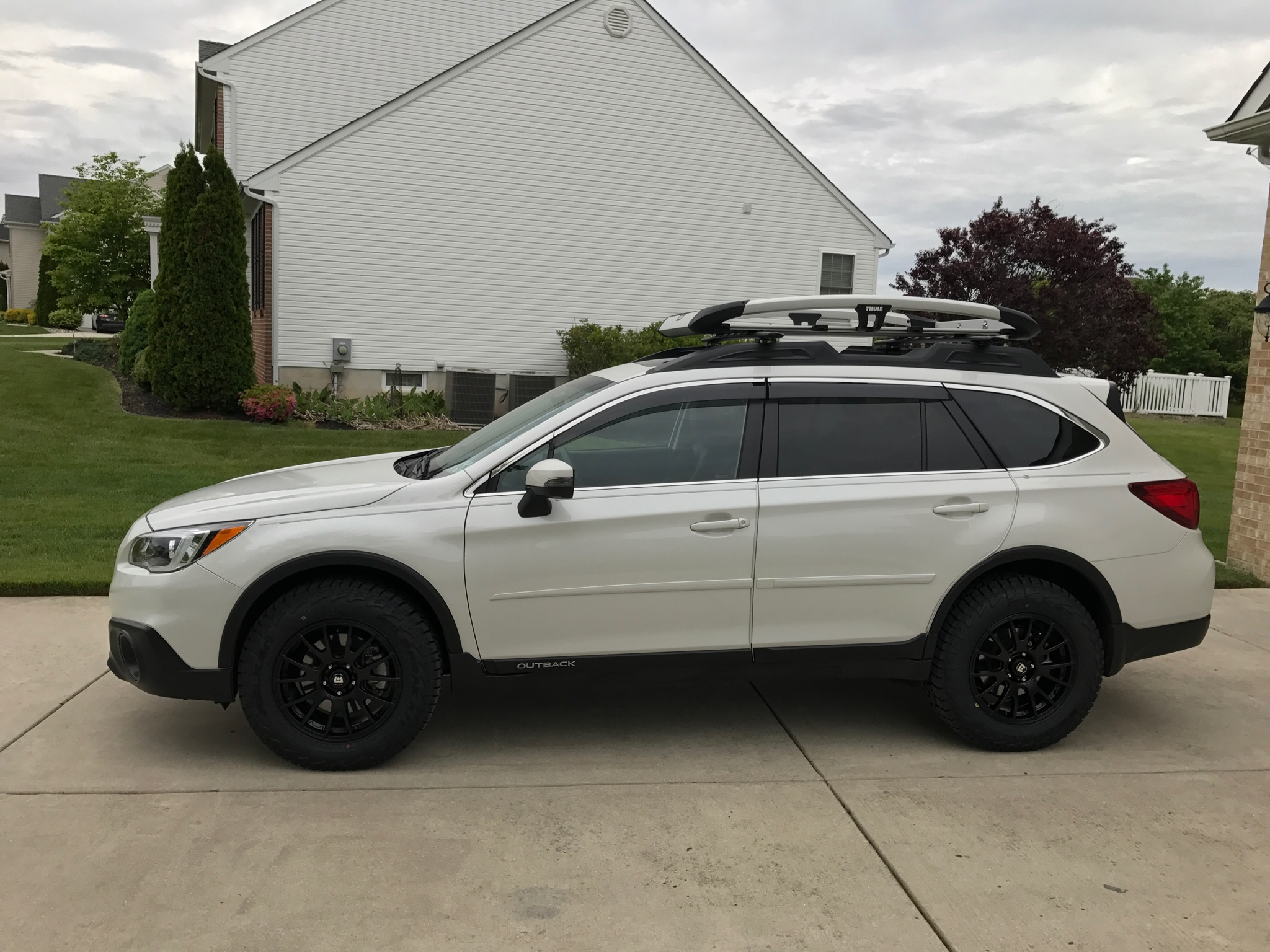 hitch mount spare tire carrier on 2 hitches subaru outback subaru outback forums. Black Bedroom Furniture Sets. Home Design Ideas