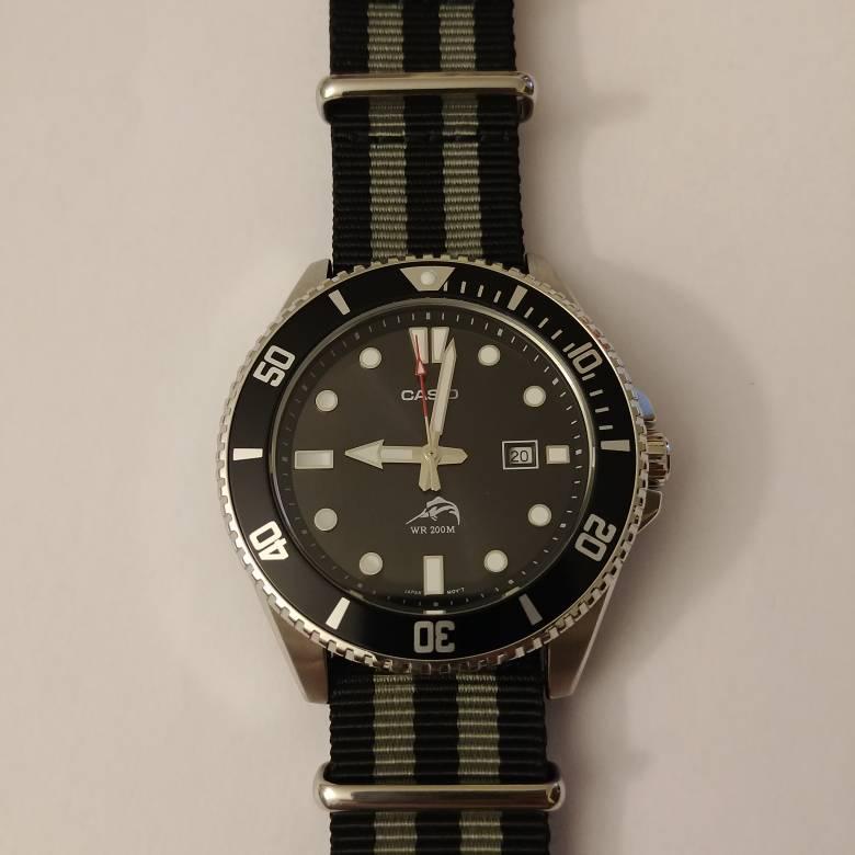 Cheap rotating bezel quartz watches