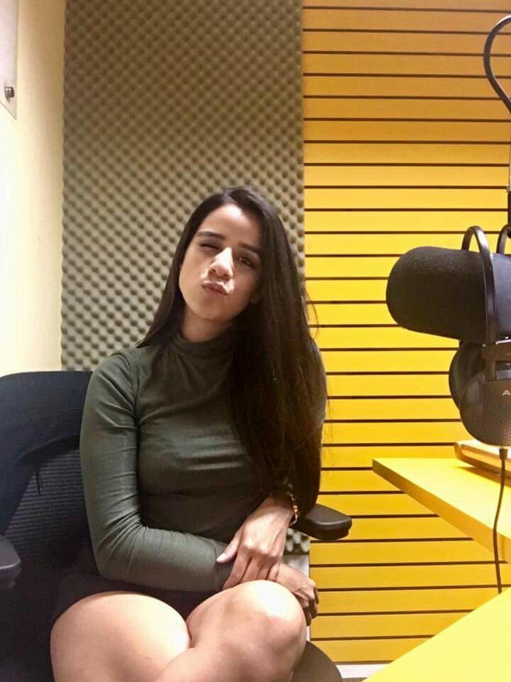 de presentadoras califa Tv Radio Todo de sobre locutoras y 5Aq7Y