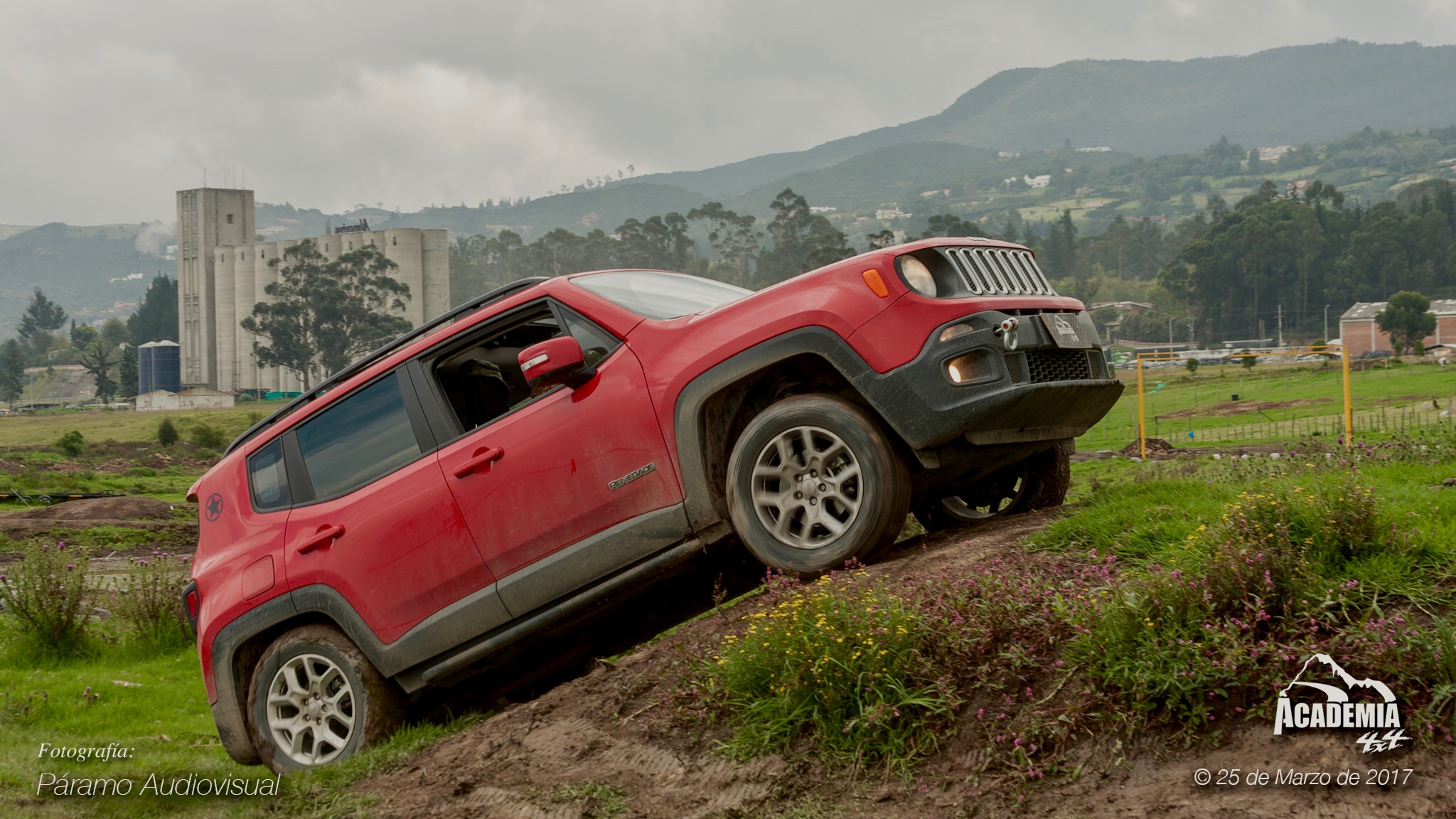 jeep renegade latitude off roading jeep renegade forum. Black Bedroom Furniture Sets. Home Design Ideas