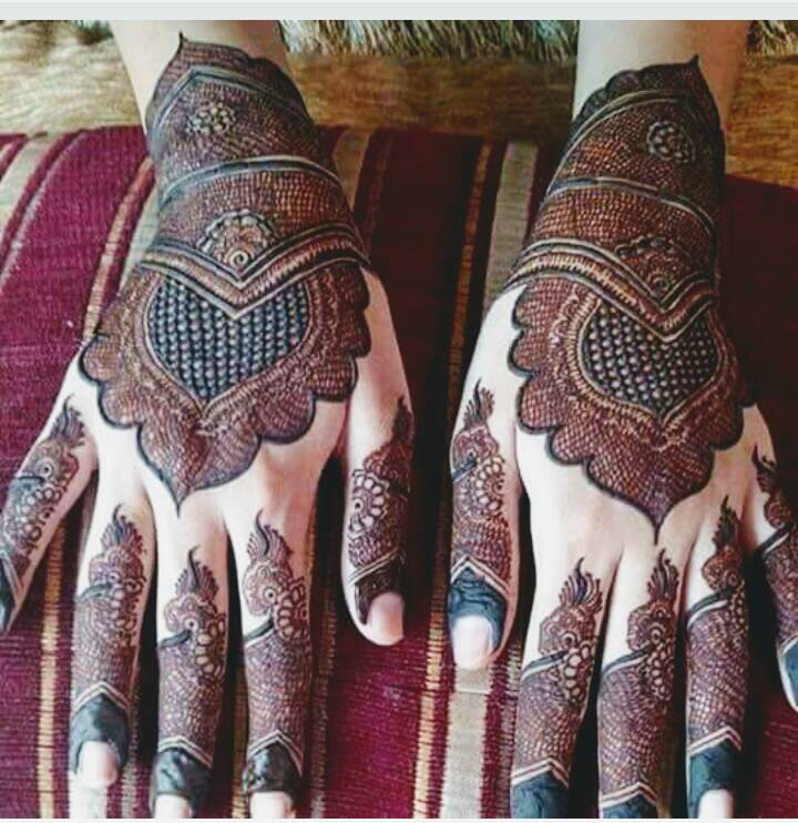 ec8ce65b7e0ede94244d1af1ce4f2170 - Latest Beautiful Arabic Henna Designs