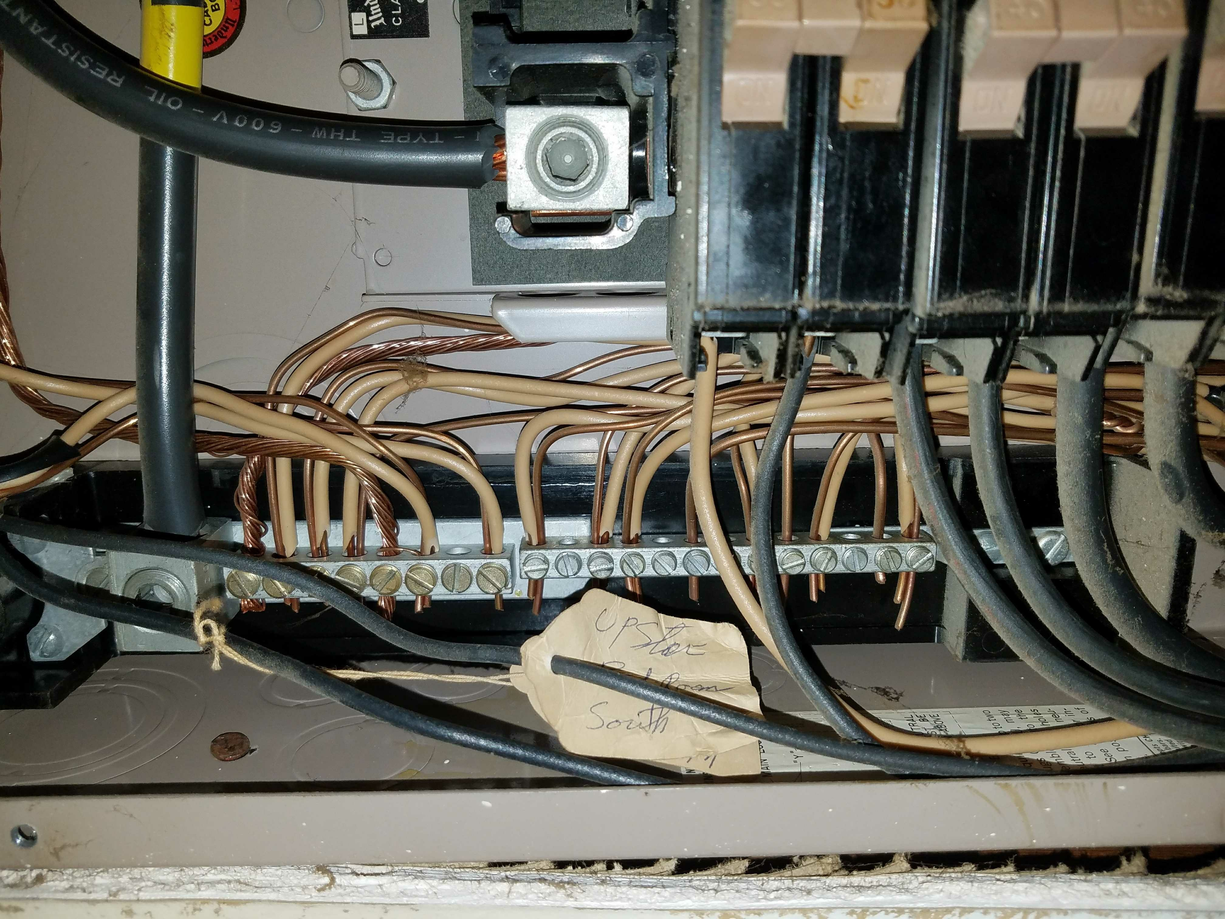 8aeca07b75f8feb85e71f02285d956a1 separating ground and neutral bar in breaker box? breaker box wiring neutral or ground at creativeand.co