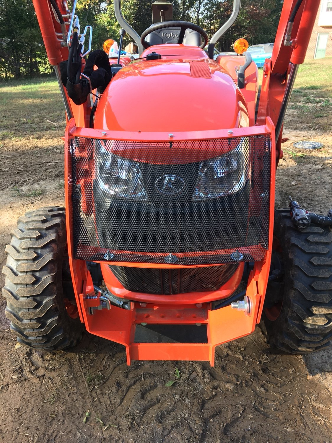 5055e Tractor Brush Guard : Added mesh to grille guard on l orangetractortalks