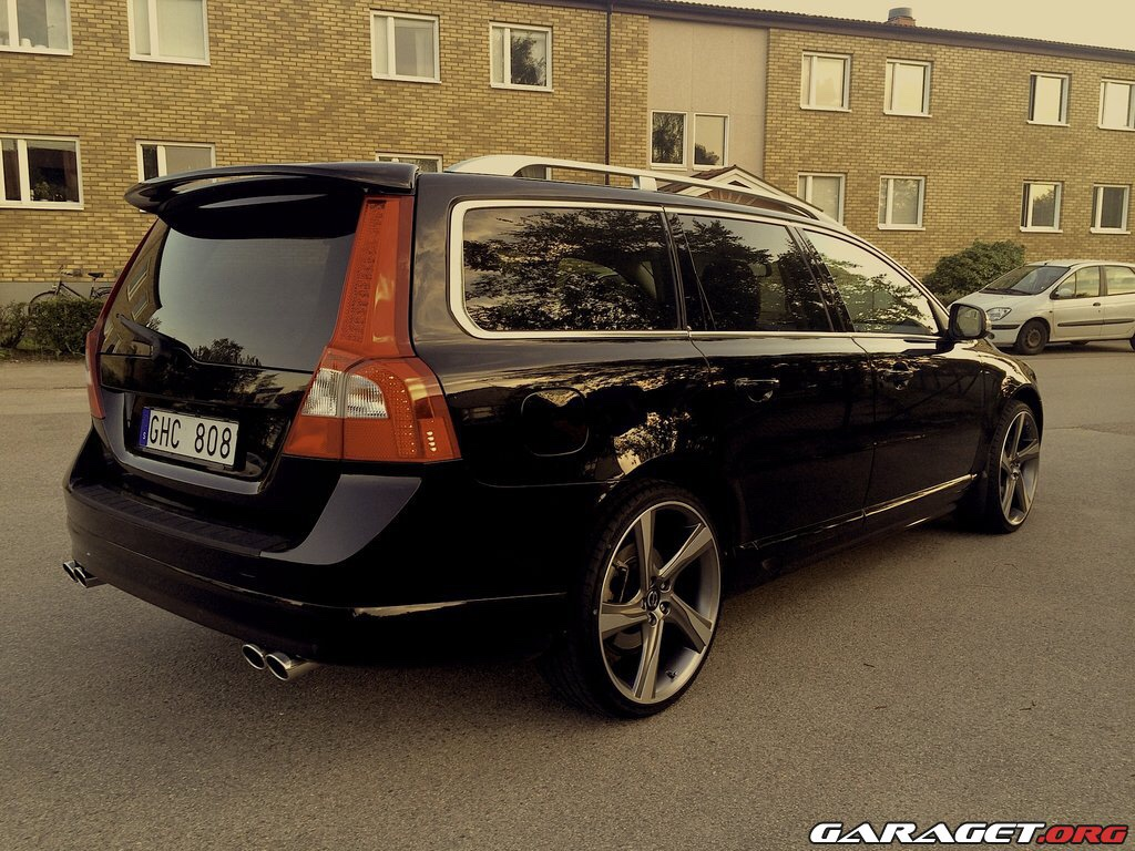 Ixion II 8x19 on a V70
