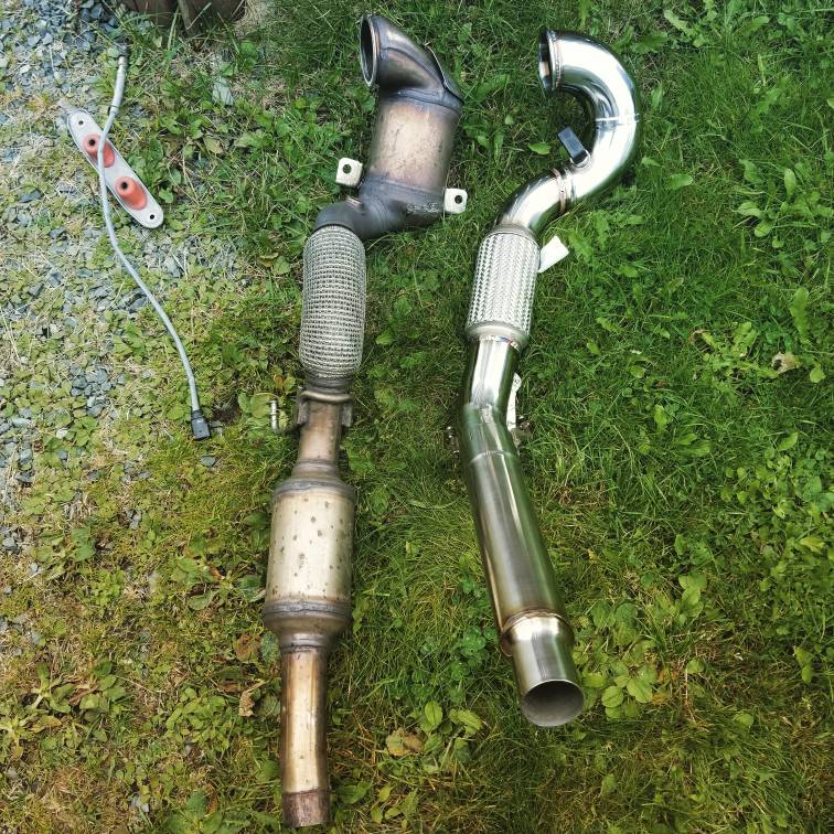 VWVortex.com - *selling* cts turbo catless 1.8t downpipe and forge ...