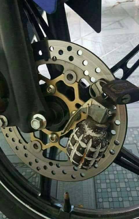 226b3d6feeafbfc92fc9fcecdbc6b49d - Bloccadisco Ducati Performance