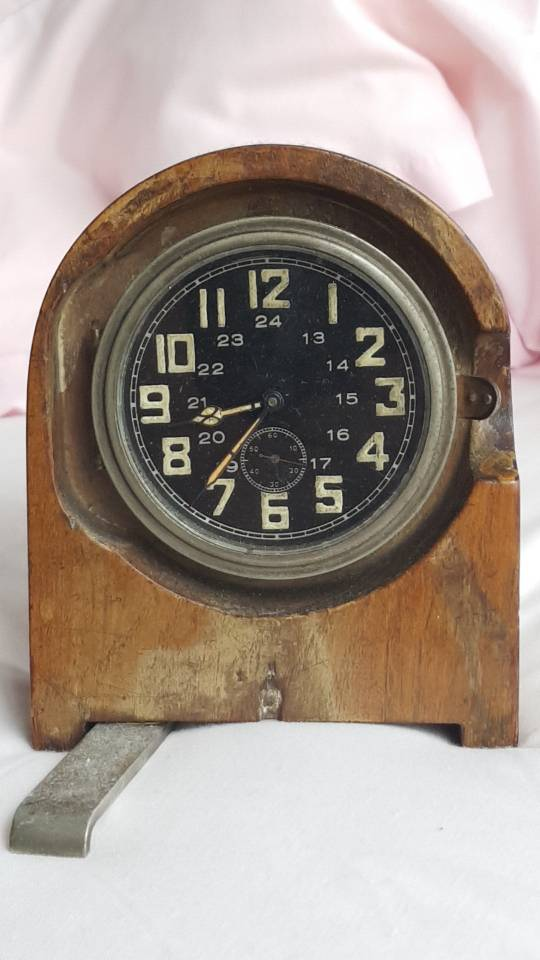 The Funkeruhr and timekeeping of communication troops - Page