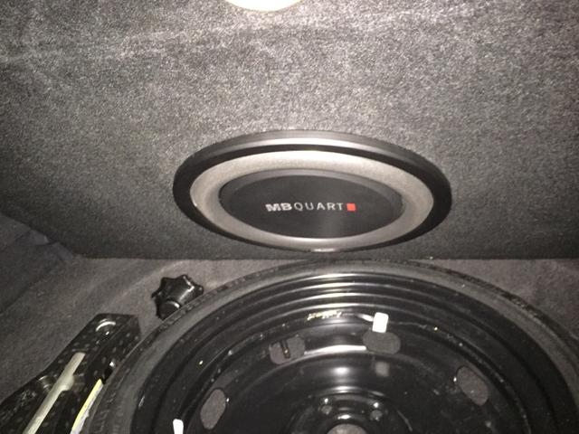subwoofer upgrade standard hu golfmk7 vw gti mkvii. Black Bedroom Furniture Sets. Home Design Ideas