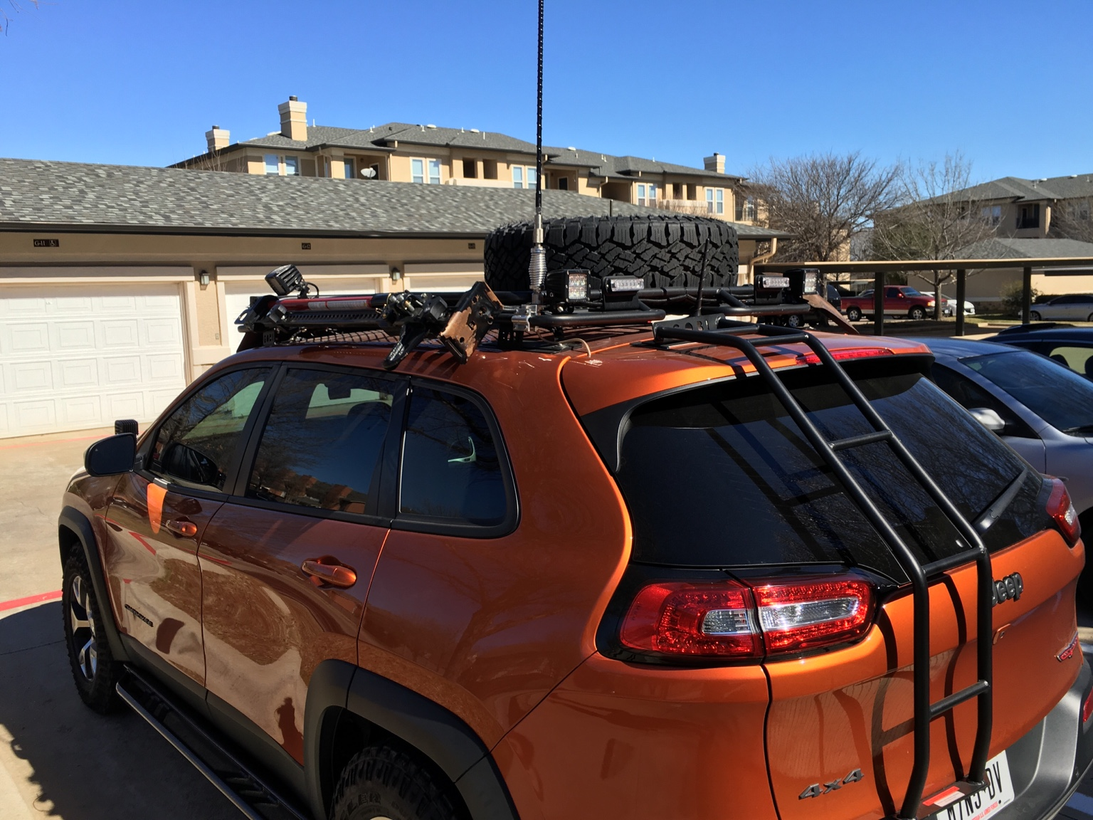 Anyone With A Gobi Decked Out 2014 Jeep Cherokee Forums