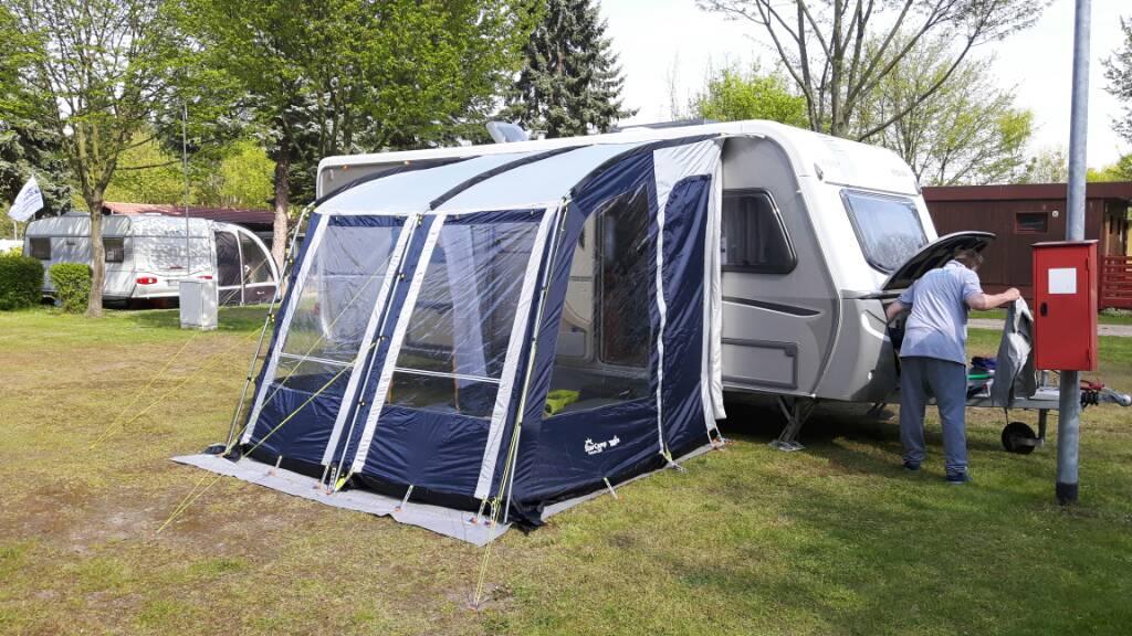 leichtgewichtsvorzelt viera 260 von obelink die sympathische campercommunity. Black Bedroom Furniture Sets. Home Design Ideas