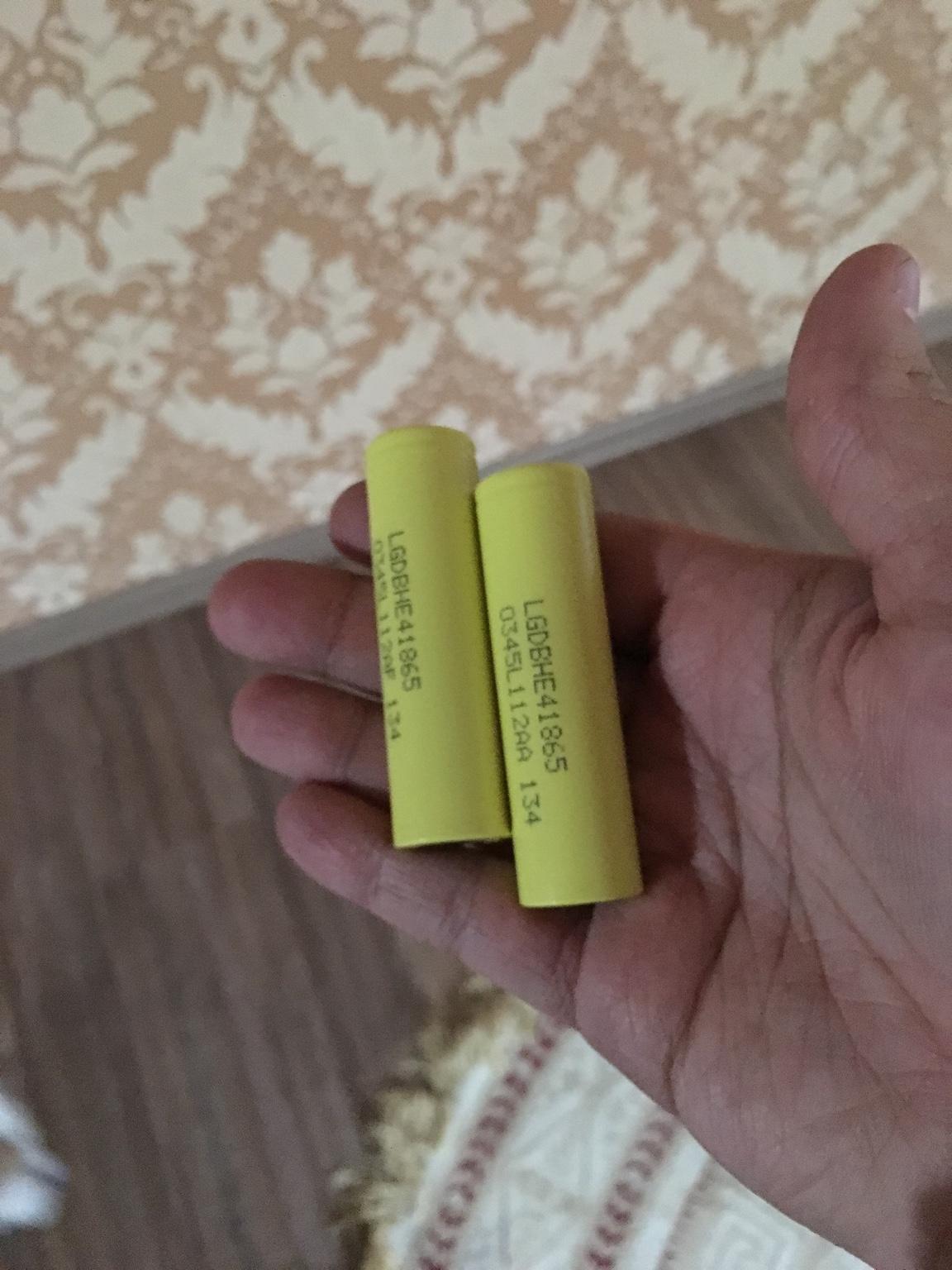 Продам аккумуляторы Lg he4 468