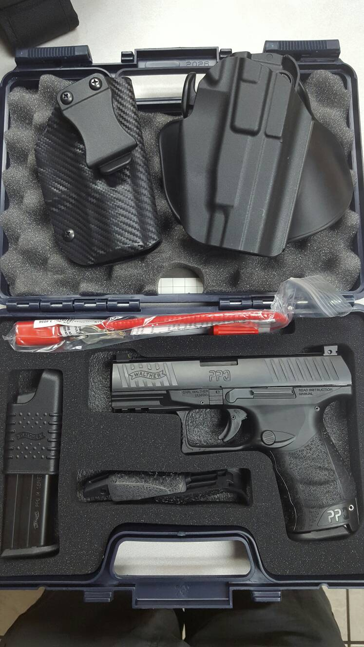 WTS: Walther PPQ M2- 9mm With Extras