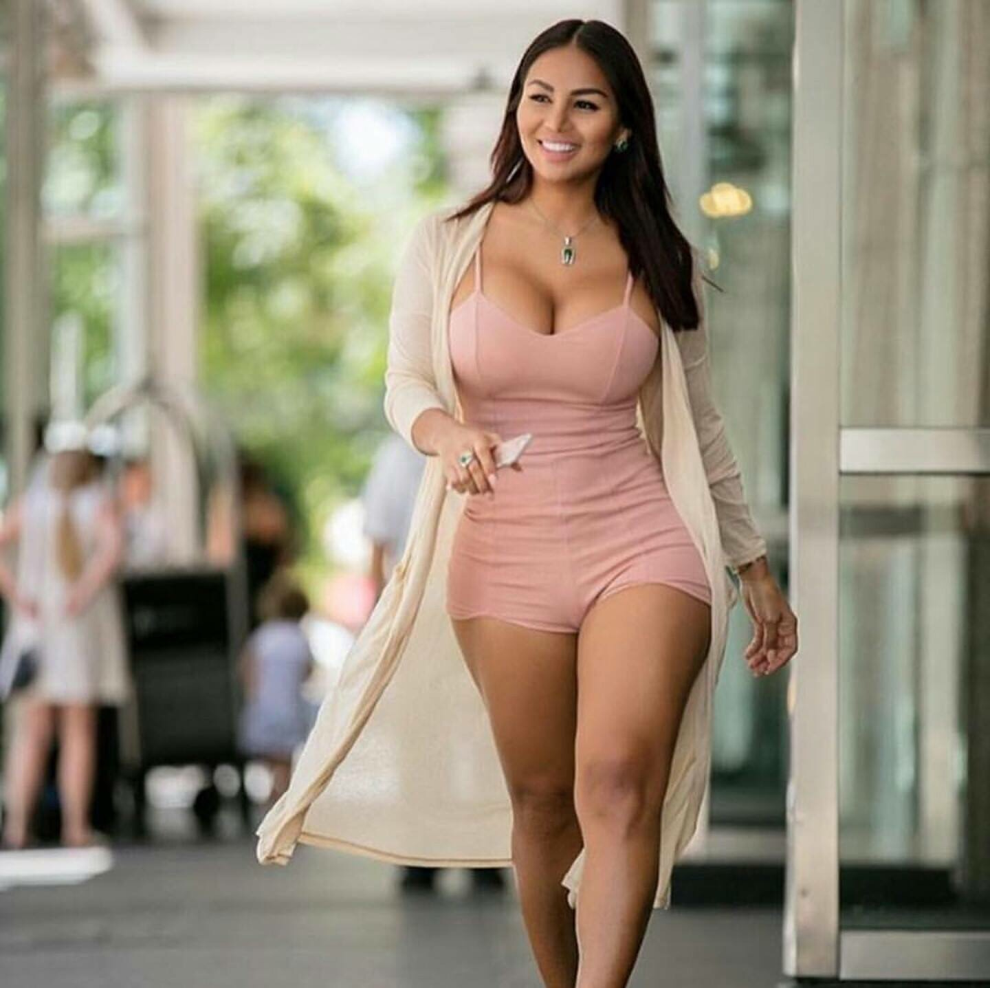 thick body latina