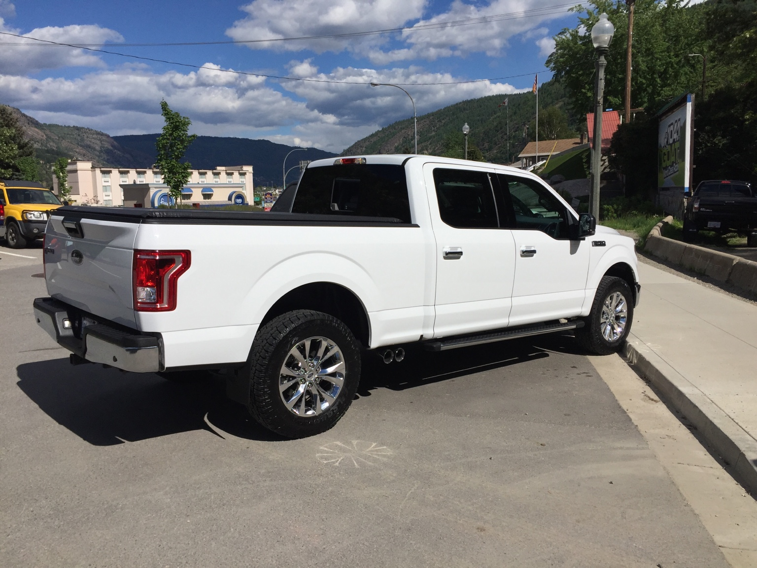 which trim level f 150 to buy ford f150 forum. Black Bedroom Furniture Sets. Home Design Ideas