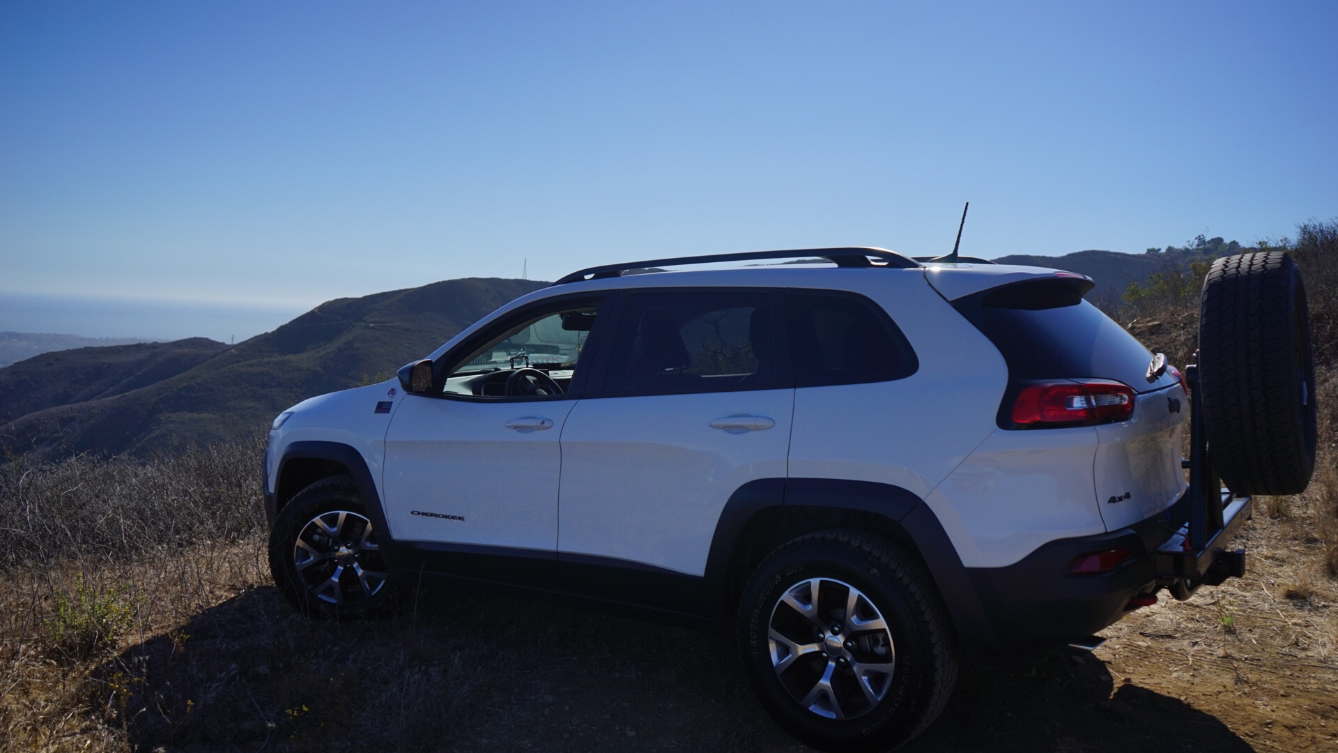 Windshield Replacement Cost >> Rear Mounted Tire - 2014+ Jeep Cherokee Forums