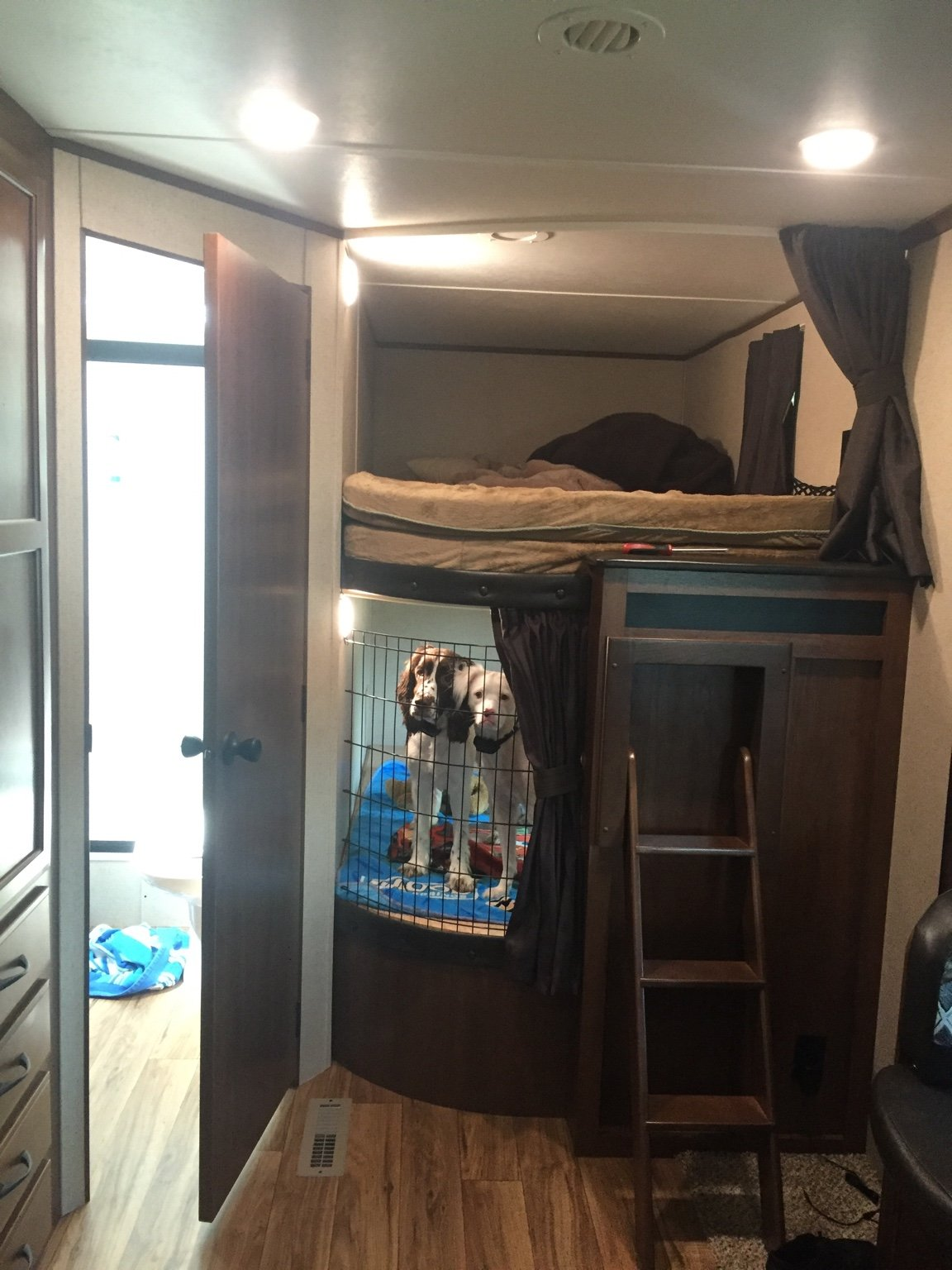 Lower Bunk Dog Crate Mod Jayco Rv Owners Forum