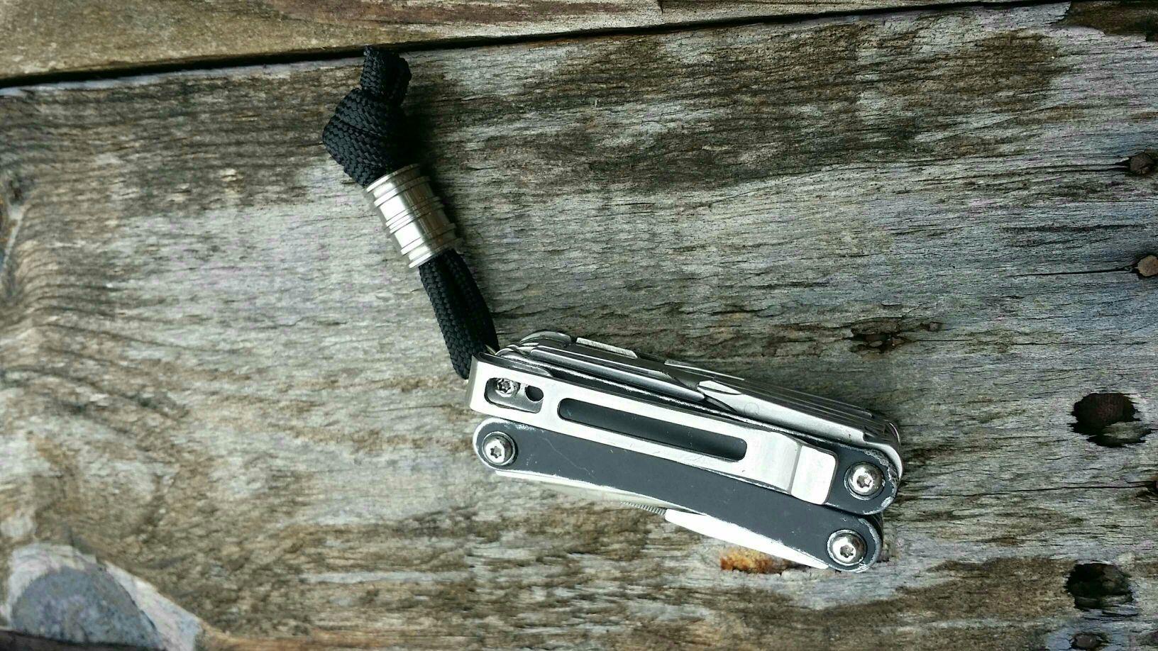 Squirt clip