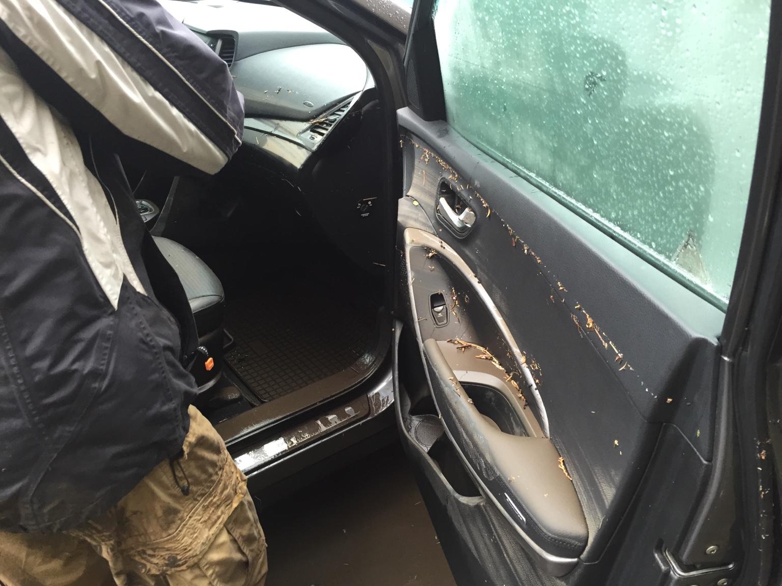 730f28521c3c0c858307f3b3b5778859 Печальное фото: Как выглядит утонувшая машина одессита после того, как ее достали
